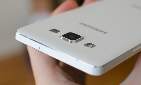 Samsung Galaxy A8: Cấu hình khủng long, thiết kế mượt mà
