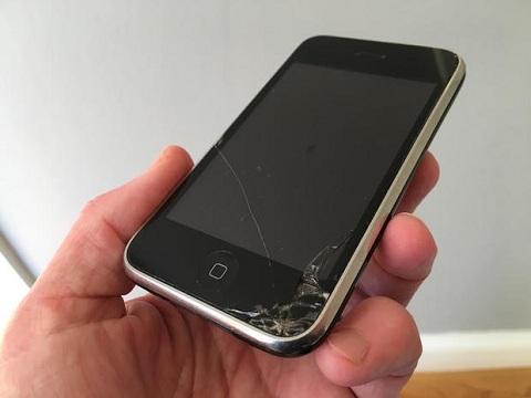 """Hãy đổi điện thoại mới nếu """"dế"""" của bạn đang gặp một trong các dấu hiệu này"""
