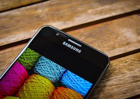 """6 """"chữ yêu"""" dành cho Galaxy J7 Prime – """"kẻ hủy diệt"""" giá tầm trung"""