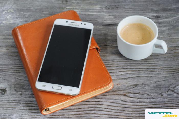 Samsung nâng tầm sản phẩm với hàng loạt tính năng cao cấp trên Galaxy J7+