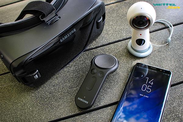 Gear VR 2017 thiết kế đẹp, trọng lượng nhẹ, dây đeo đàn hồi tốt