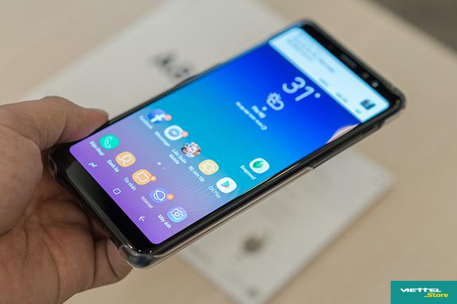 Mở hộp Galaxy A8/A8+: Màn hình tràn viền đẹp, camra Selfie kép chụp xóa phông hút mắt người dùng