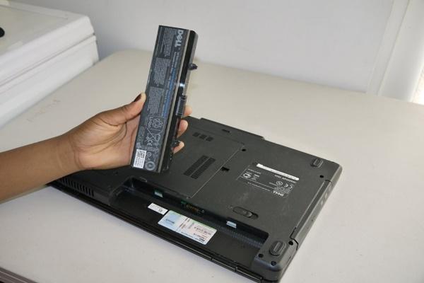 Chai pin laptop là gì?
