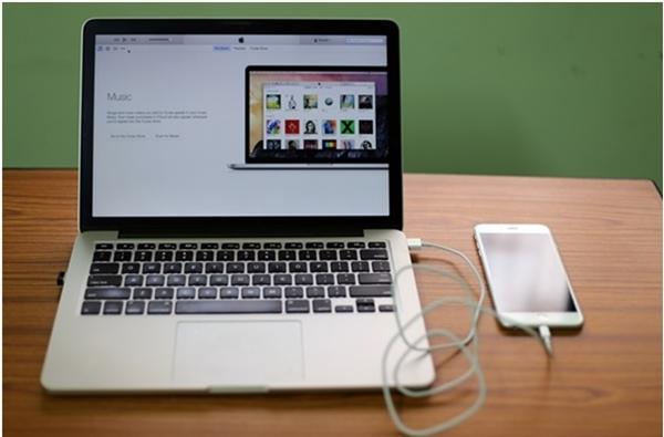 Hãy sử dụng cáp chuẩn để kết nối iDevice với máy tính