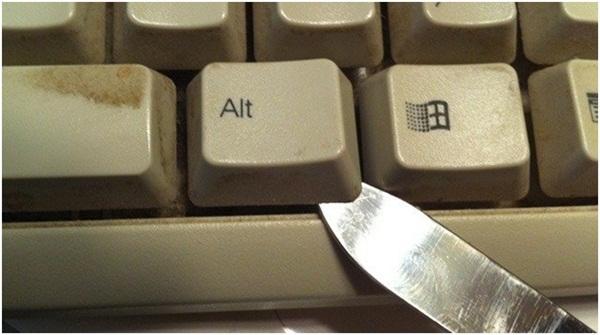 Chia sẻ một số mẹo vệ sinh bàn phím máy tính nhanh nhất