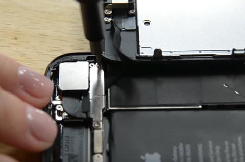 cách thay pin iPhone 7 tại nhà 11