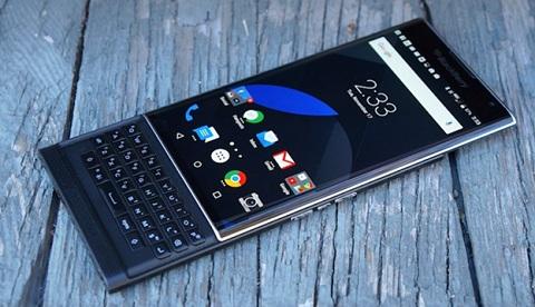 Top 3 smartphone màn hình cong đáng sở hữu nhất 2016
