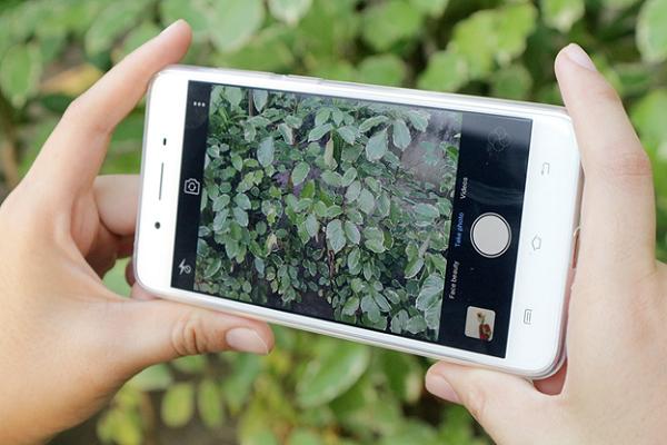 Đánh giá Vivo Y55: Thiết kế cao cấp, selfie ấn tượng trong tầm giá