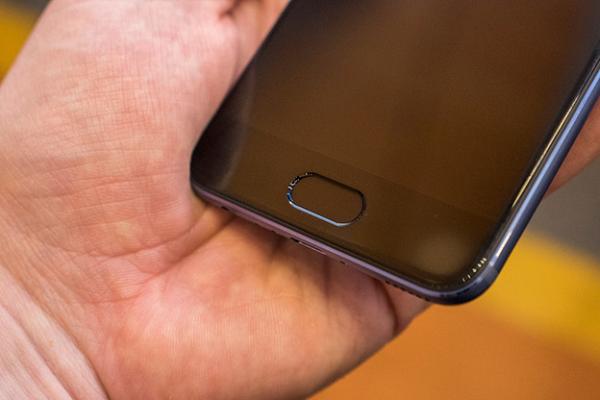 Đánh giá chi tiết Huawei P10: Đứng ngoài trào lưu, hoàn thiện bản thân