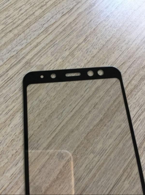 Những hình ảnh được cho là tấm kính mặt trước của mẫu Galaxy A8 thế hệ mới