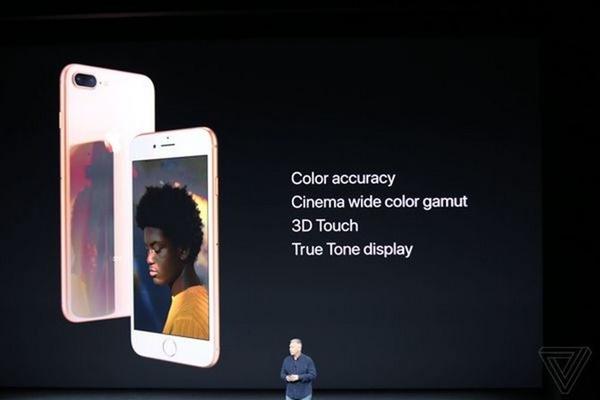 Công nghệ màn hình Retina HD True Tone đem đến màu sắc chính xác trong các điều kiện ánh sáng đa dạng