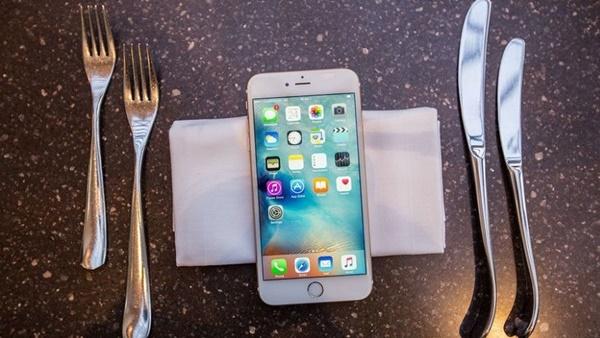 Một lý do nữa khiến bạn phảimua iPhone 6S Plus 32GBtrong thời điểm này đó chính là tuổi thọ của máy là vô cùng đáng nể