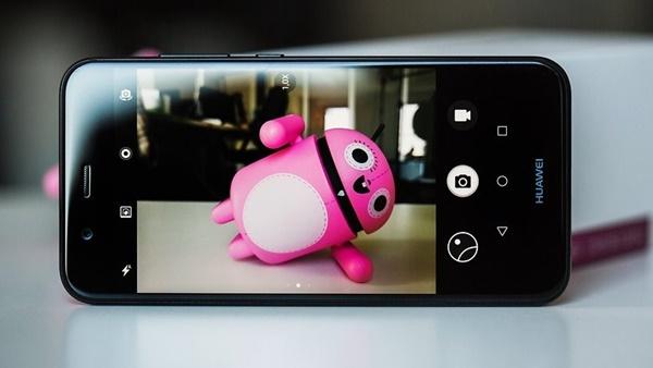 Đánh giá điện thoại Huawei Nova 2i: Màn hình vô cực, giá cực mềm