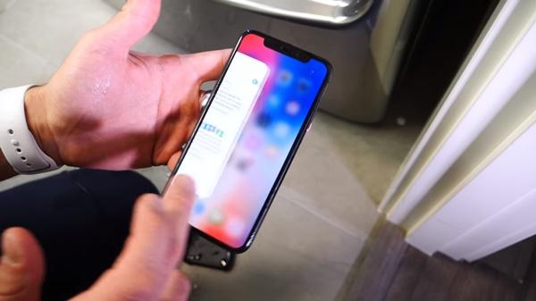 Ngâm nước iPhone X: Xuất sắc vượt qua tiêu chuẩn IP67