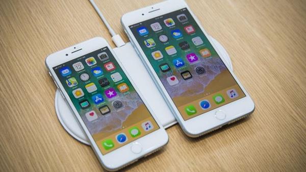 """iPhone 8 có gì đặc biệt hơn """"đàn anh"""" iPhone 7 hay không?"""