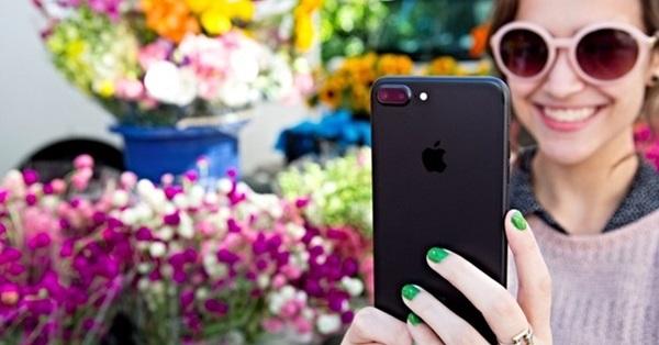 Đầu tư cho iPhone 7 Plus 128GB phiên bản Black hoặc Jet Black