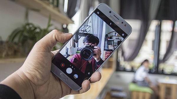 """Điểm danh 3 smartphone camera trước chụp ảnh đẹp giá cực """"thơm"""""""