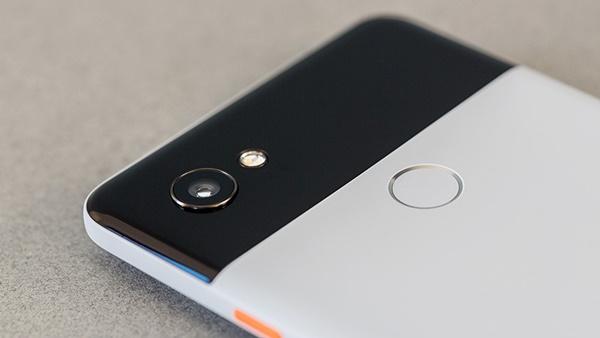 Trên tay Google Pixel 2 và Pixel 2 XL: sự nâng cấp mạnh mẽ từ tiền nhiệm