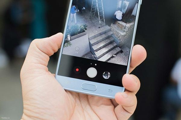 Điểm danh 3 tính năng Galaxy J7 Pro không thua kém gì các sản phẩm cao cấp