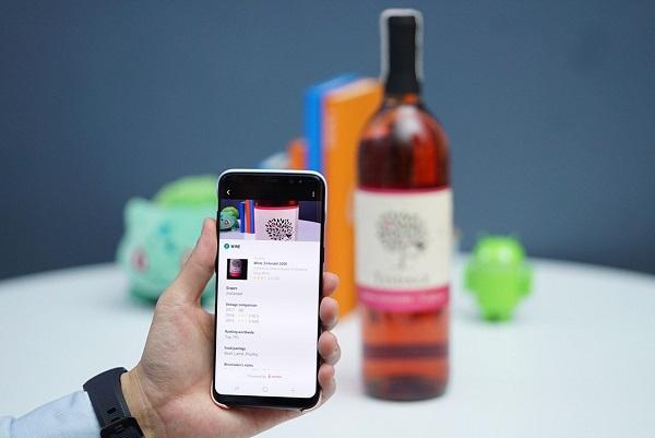 Bixby Vision hỗ trợ tìm kiếm nhanh các thông tin bạn muốn thông qua camera.