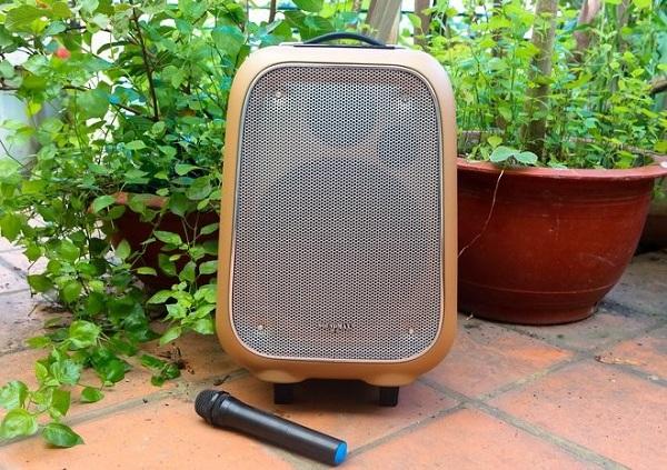 Loa SoundMax M6: Âm thanh êm vang, dễ di chuyển, thân thiện với người dùng