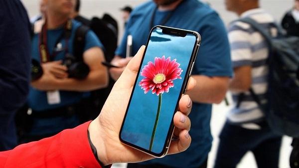 Màn hình OLED iPhone X - chiêu bài hút khách độc đáo từ Apple