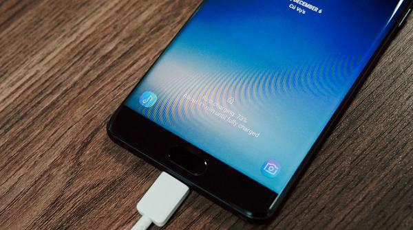 Thử nghiệm thời lượng pin của Galaxy Note FE: Quá ổn cho một smartphone