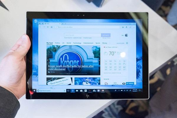 Máy chạy Windows 10 và sử dụng chip của Qualcomm, có modem X16 LTE