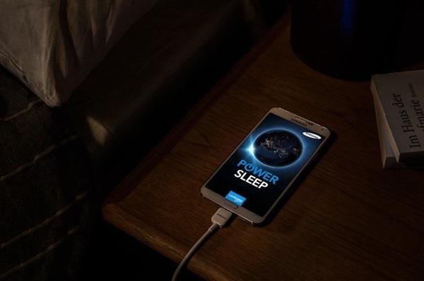 Để giúp máy có tuổi thọ pin lâu dài, có nên sạc điện thoại qua đêm không?