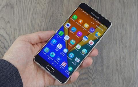 ... khối và tinh tế trong từng đường nét, Samsung Galaxy A7 2016 là một sự  lựa chọn cực kỳ đáng giá ở phân khúc cận cao cấp trên thị trường hiện nay.