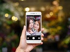 Trong tầm giá 4 triệu – 4,5 triệu đồng nên mua smartphone nào tại Viettel Store?