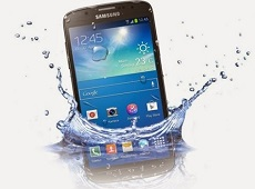 Cách xử lý điện thoại rơi xuống nước tránh hỏng hóc nhanh nhất