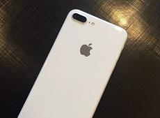 Rò rỉ video iPhone 7 màu trắng bóng Jet White