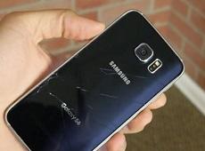 Mặt lưng Galaxy S6 Edge bị vỡ có thay được không?