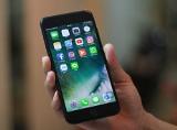 """Những hình ảnh đầu tiên của iPhone 7 Plus Jet Black """"cập bến"""" Việt Nam"""