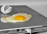 Xử lý ra sao khi laptop bị nóng?