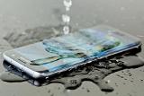 Samsung đang nghiên cứu công nghệ màn hình siêu chống nước cho smartphone