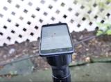 Tra tấn iPhone 7 với đèn pin có cường độ sáng lớn nhất thế giới