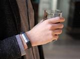 Uống rượu bia không lo say vì đã có vòng tay thông minh Proof